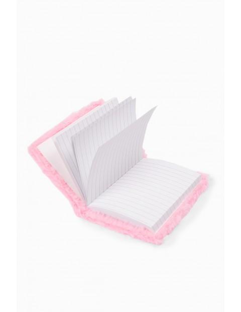Notatnik dziewczęcy futrzany w kolorze różowym