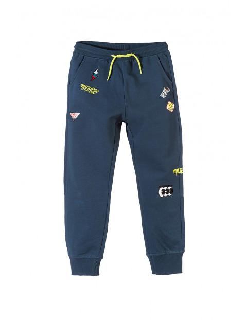 Spodnie dresowe chłopięce 2M3423
