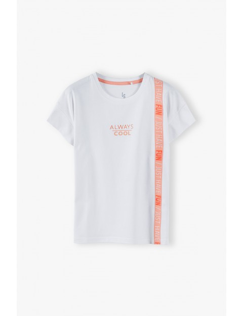 Bawełniany  T- shirt dziewczęcy z różowym paskiem - biały