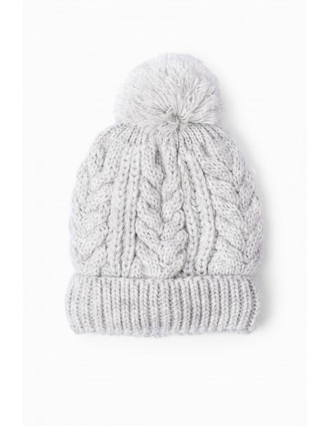 Szara zimowa czapka dziewczęca - warkoczowy splot