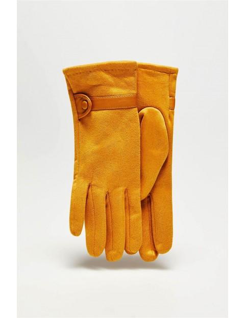 Długie stylowe rękawiczki damskie wykonane z zamszowego materiału - żółte