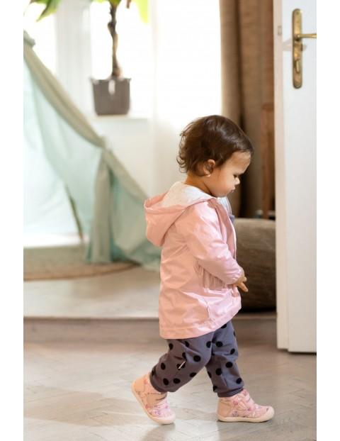 Płaszcz niemowlęcy z kapturem- różowy