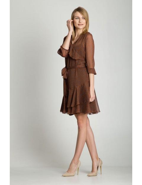Brązowa sukienka w ozdobnymi falbankami