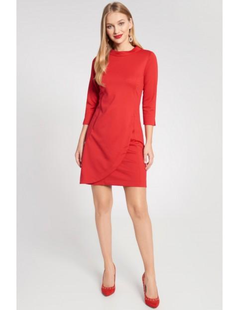 Czerwona sukienka damska z zakładką