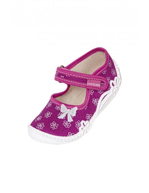 Buty dziewczęce różowe w kwiatki