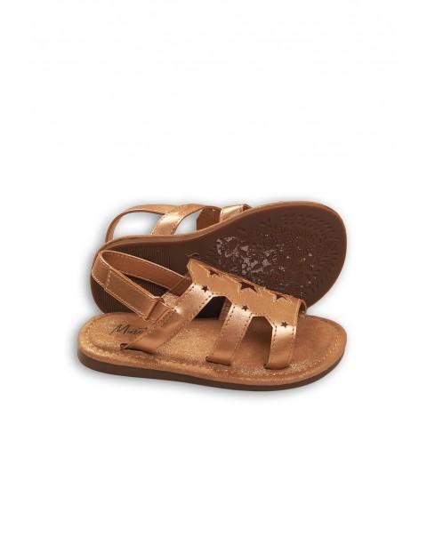 Złote sandały dla dziewczynki z wyciętymi gwiazdkami