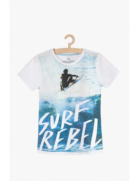 T-Shirt chłopięcy biały z nadrukami- Surf Rebel