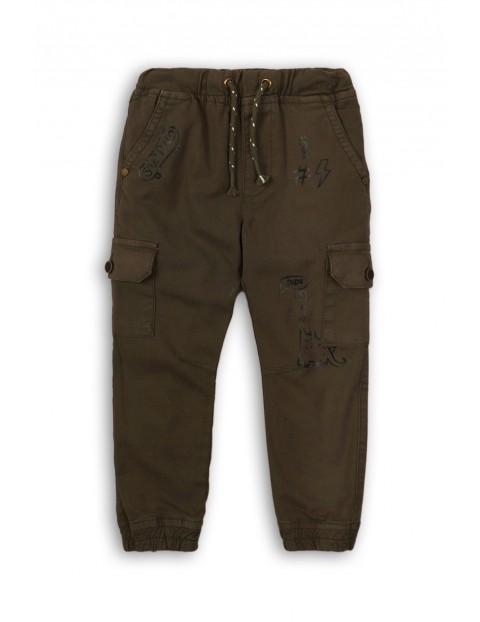 Spodnie chłopięce z kieszeniami na nogawkach