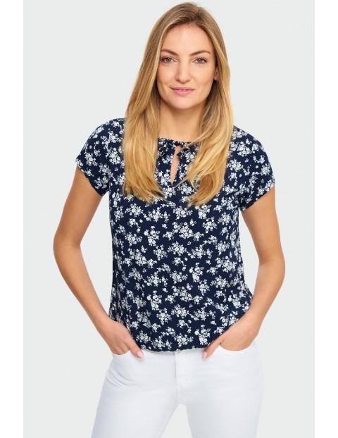 Bluzka damska z krótkim rękawem w kwiatki