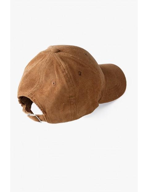 Czapka chłopięca sztruksowa z daszkiem - brązowa