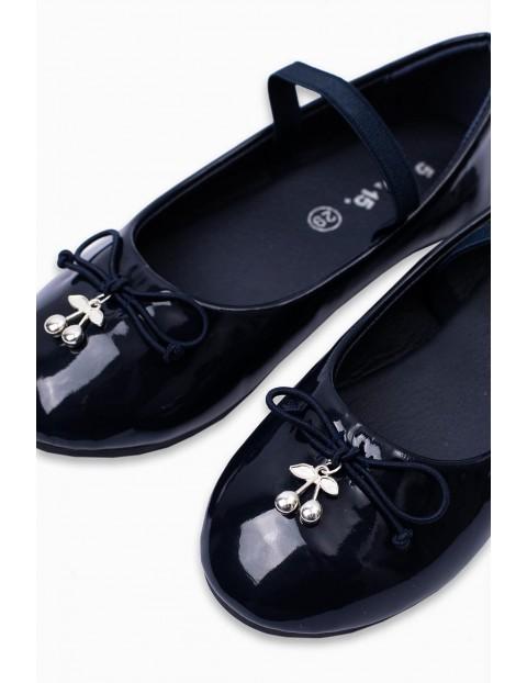 Balerinki- buty dziewczęce z wisienkami - granatowe lakierki