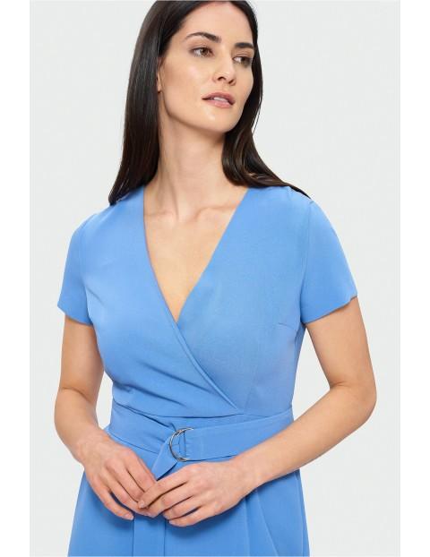 Elegancka sukienka z kopertowym dekoltem -  jasno niebieska