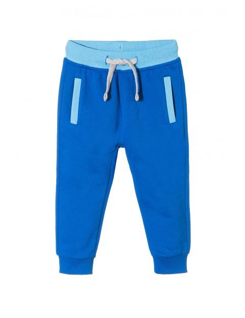 Spodnie dresowe chłopięce 1M3531