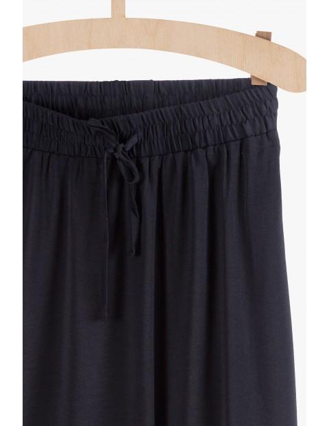 Długa spódnica damska granatowa z rozporkami na bokach