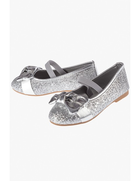 Baleriny dziewczęce brokatowe- srebrne z kokardką