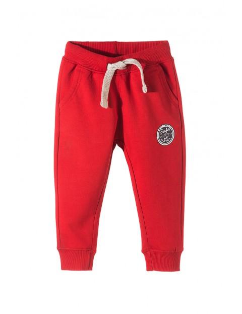 Spodnie dresowe dla chłopca- czerwone