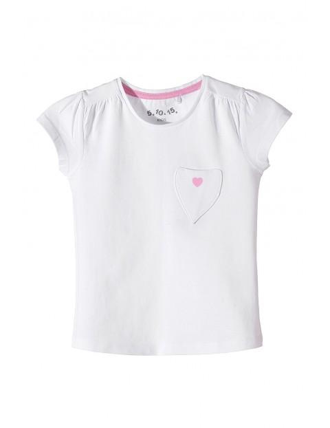 Biały dzianinowy t-shirt dla dziewczynki z kieszonką