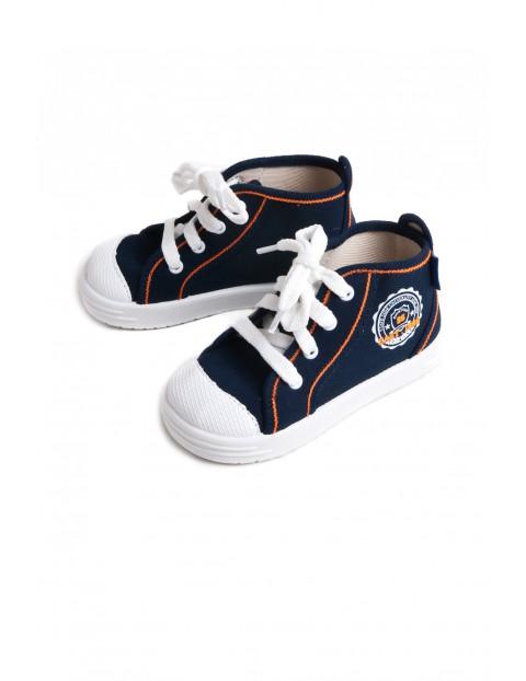 Footwear 2Z2716