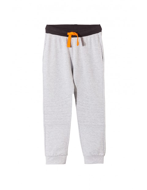 Spodnie chłopięce dresowe 1M3514