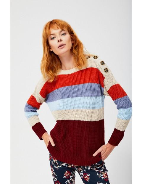 Kolorowy sweter damski z ozdobnymi guzikami
