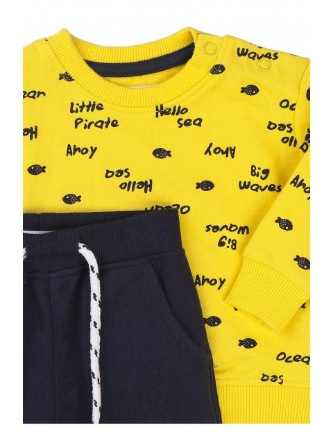 Bawełniany komplet chłopięcy dwuczęściowy- bluza i spodnie dresowe