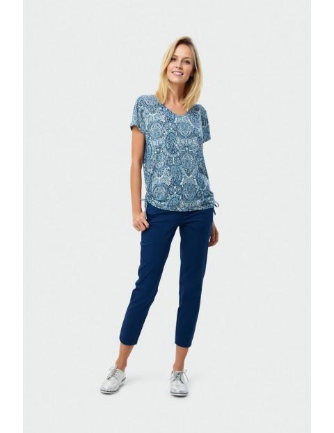 Niebieski top z nadrukiem- ubrania dla kobiet
