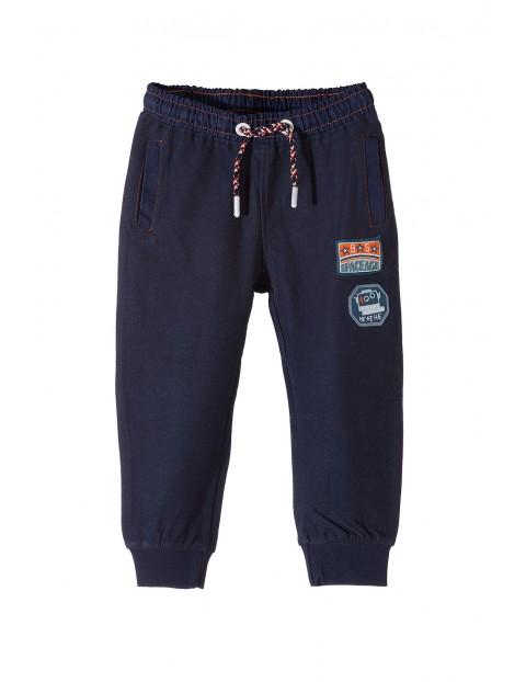 Spodnie dresowe chłopięce 1M3322