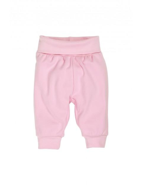 Spodenki niemowlęce z szerokim ściągaczem w pasie-różowe