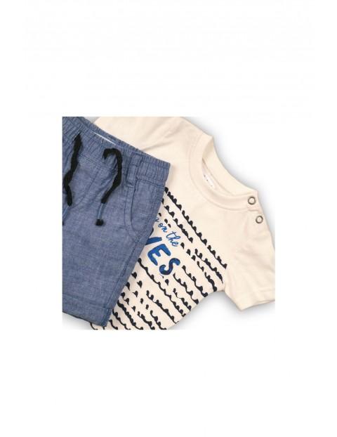 Komplet niemowlęcy t-shirt i spodenki