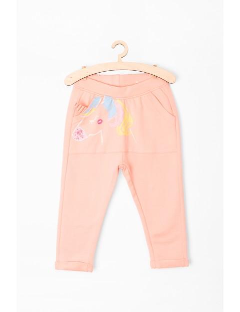 Spodnie dresowe niemowlęce- różowe z jednorożcem