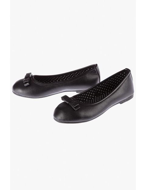 Baleriny czarne z kokardkami-buty na wiosnę