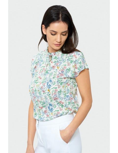 Bluzka damska z krótkim rękawem w kolorowe kwiatki