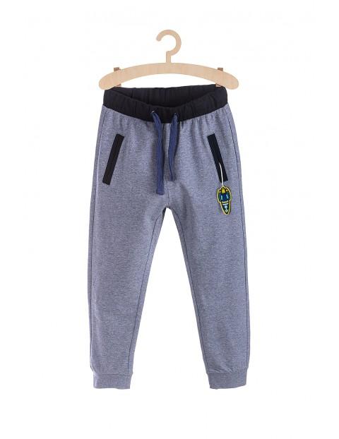 Spodnie chłopięce dresowe- niebieskie