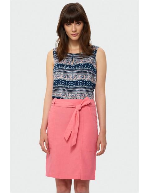 Spódnica damska na lato z naszywanymi kieszeniami