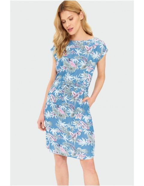 Sukienka damska w kolorowe kwiaty - krótki rękaw