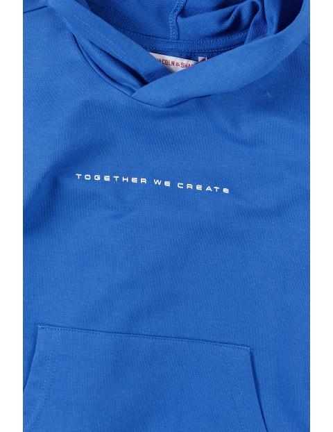 Bluza dresowa chłopięca z kapturem i kieszenią z przodu- niebieska