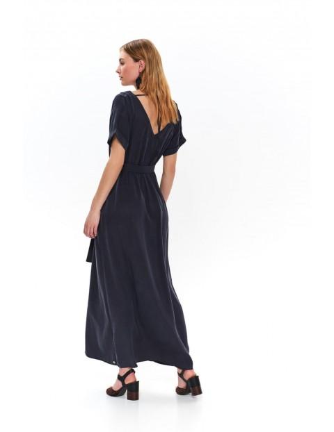 Czarna długa sukienka z wycięciem z przodu