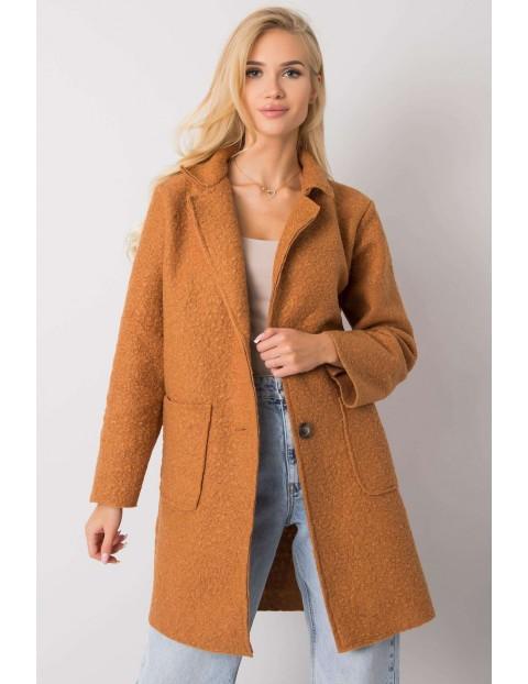 Camelowy płaszcz damski