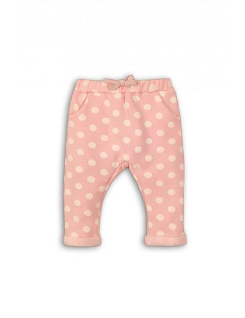 Różowe dresy dla niemowlaka