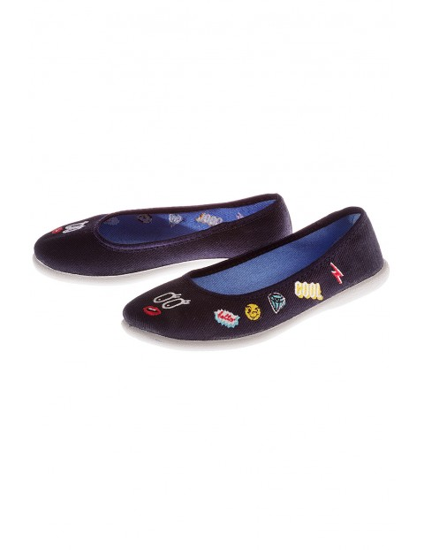 Buty dziewczęce- biała podeszwia 3Z3507