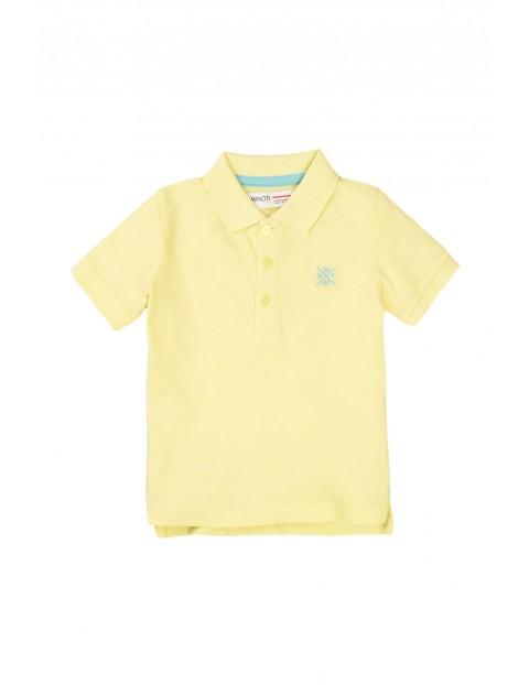 T-shirt chłopięcy bawełniany z kołnierzykiem żółty