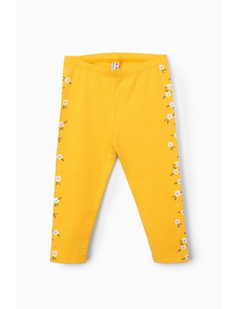 Leginsy niemowlęce żółte z kwiatkami