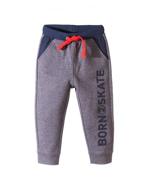 Spodnie dresowe dla chłopca 1M3512