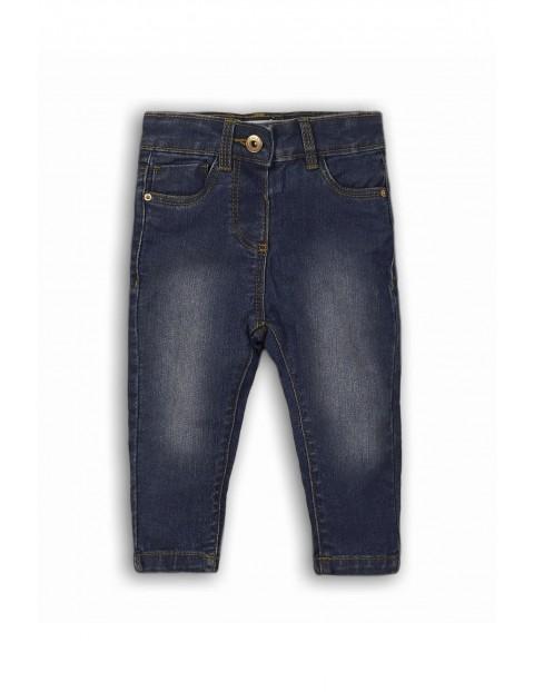 Jeansowe spodnie w kolorze niebieskim dla dziewczynki