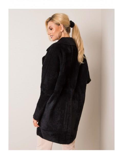 Płaszcz damski z kieszeniami - czarny oversize