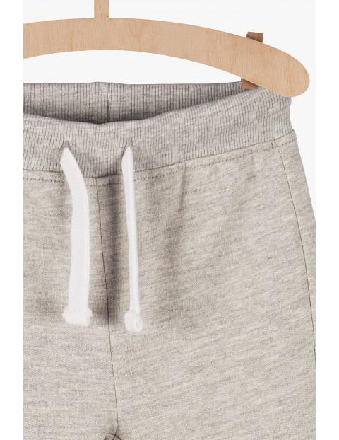 Dresowe spodnie niemowlęce - szare