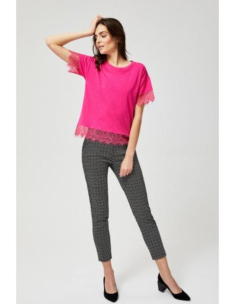 T-shirt damski bawełniany z koronkowymi wstawkami
