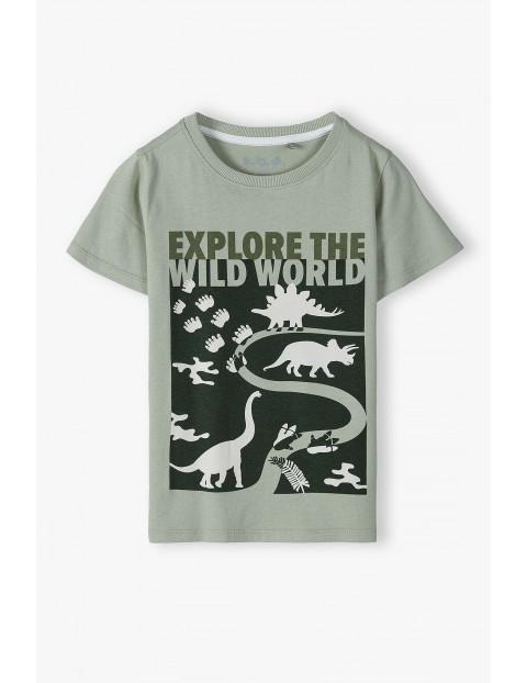 Bawełniany t-shirt chłopięcy w kolorze zielonym z nadrukiem dinozaury