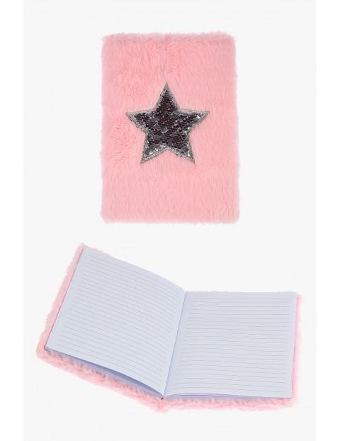 Notatnik dziewczęcy różowy z gwiazdą
