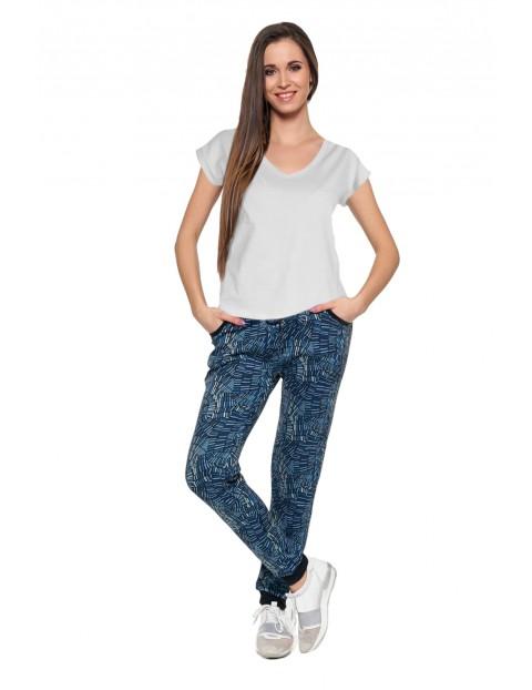 T-shirt damski o regularnym kroju biały